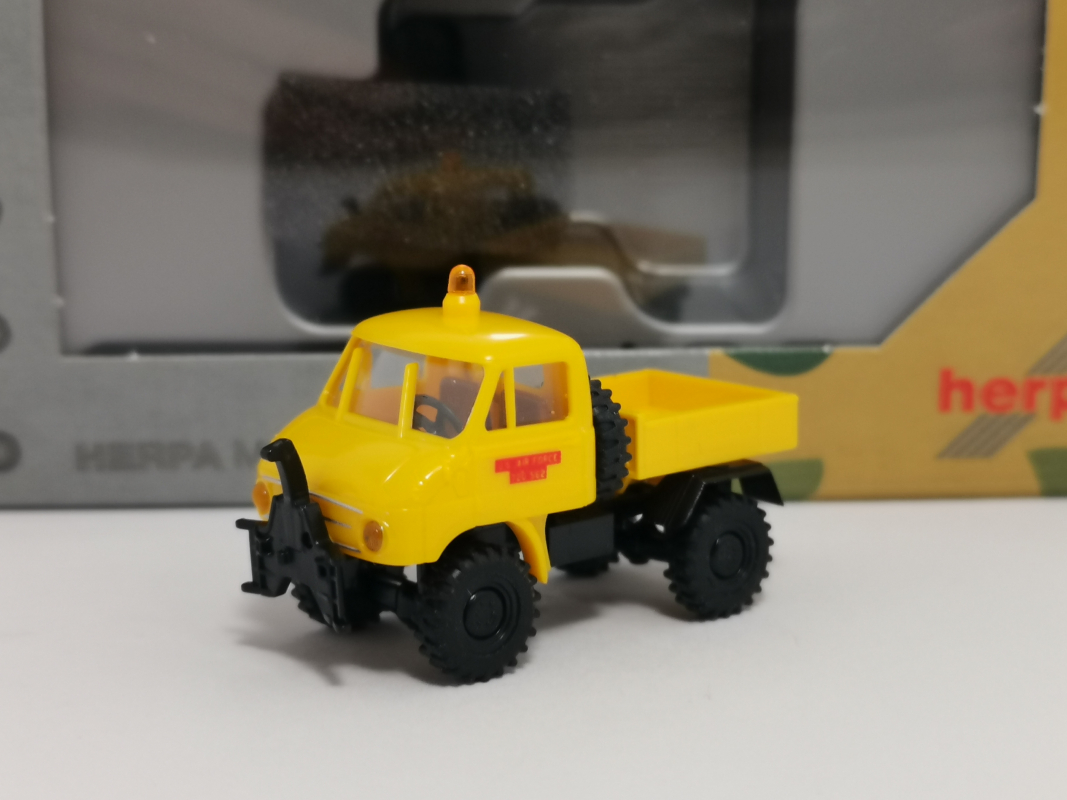 "746502  Unimog U 411 Pritsche ""US Air Force Berlin"" (In Kooperation mit Brekina) Herpa"