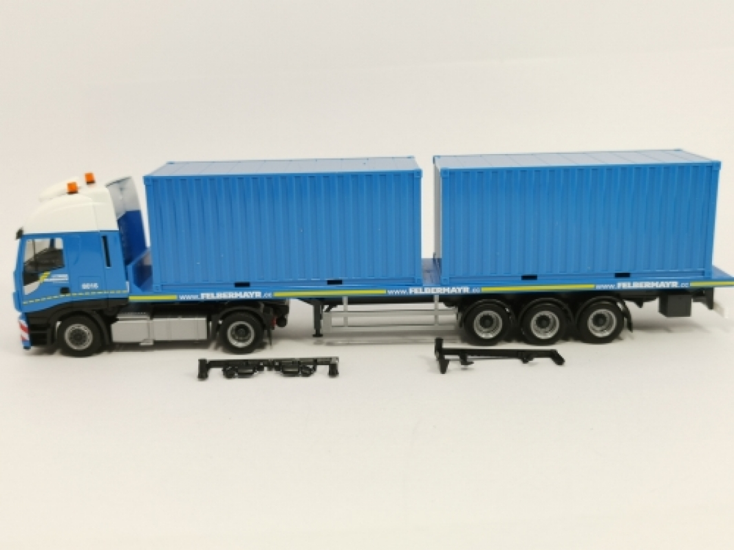 "310093 Iveco Stralis XP Flachbett-Sattelzug mit 2 x 20 ft. Container ""Felbermayr"" (A) Herpa"