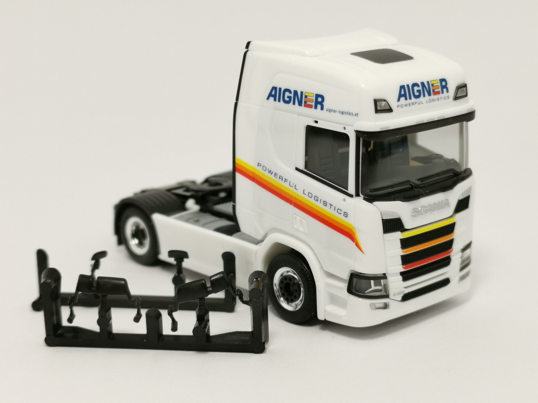 "Scania CS 20 HD Zugmaschine ""Aigner"" Herpa"