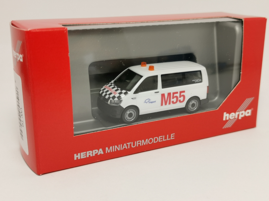 "094399  VW T6 Multivan ""Fraport Marshalling"" Herpa"