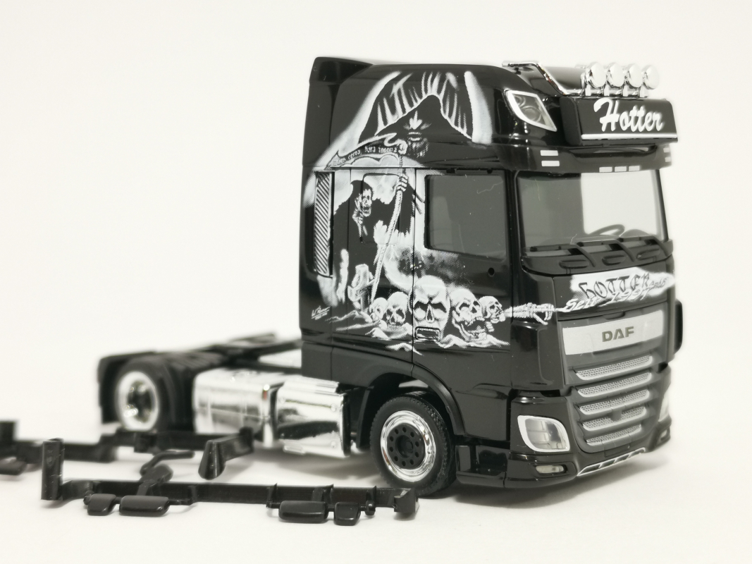 "DAF XF SSC facelift Lowliner ""Spedition Hotter"" Nr. 2 Herpa"