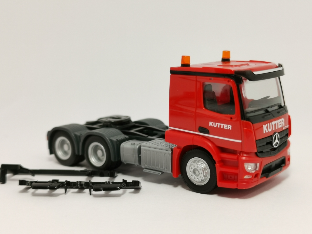 "Mercedes-Benz Actros Classicspace ""Kutter"" Herpa"