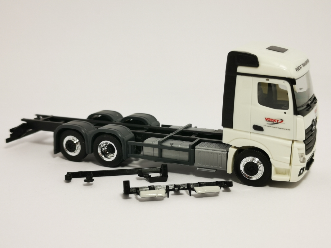 "Mb Actros Stream Space 2.5 Lkw 3a ""Vöckt"" Herpa"