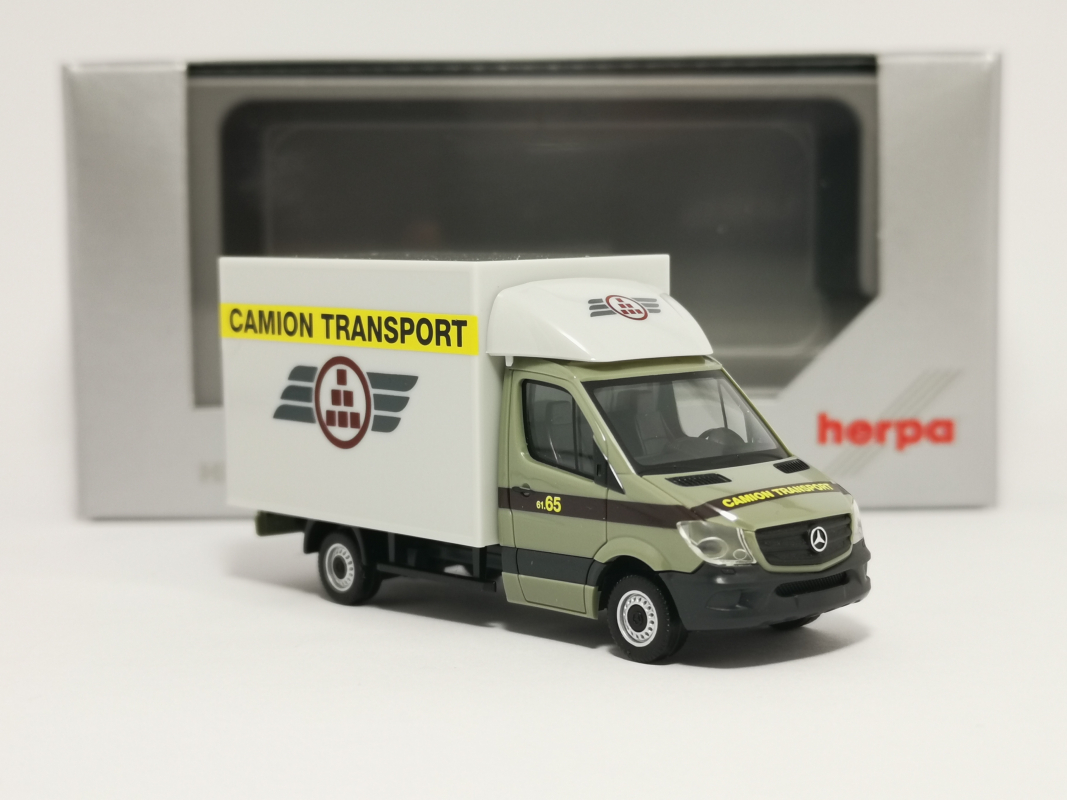 "938068 Mb Sprinter 13 ""Camion Transport"" (CHE) Herpa"