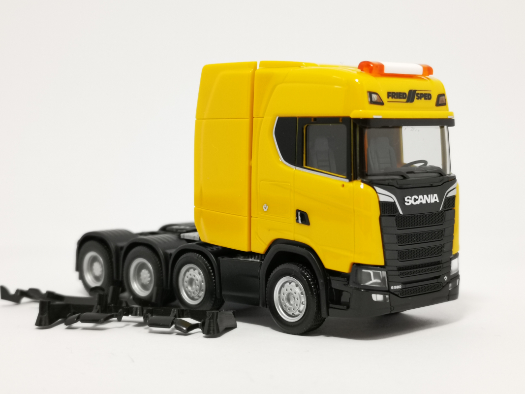 "Scania CS HD Schwerlastzugmaschine ""Friedsped"" Herpa"