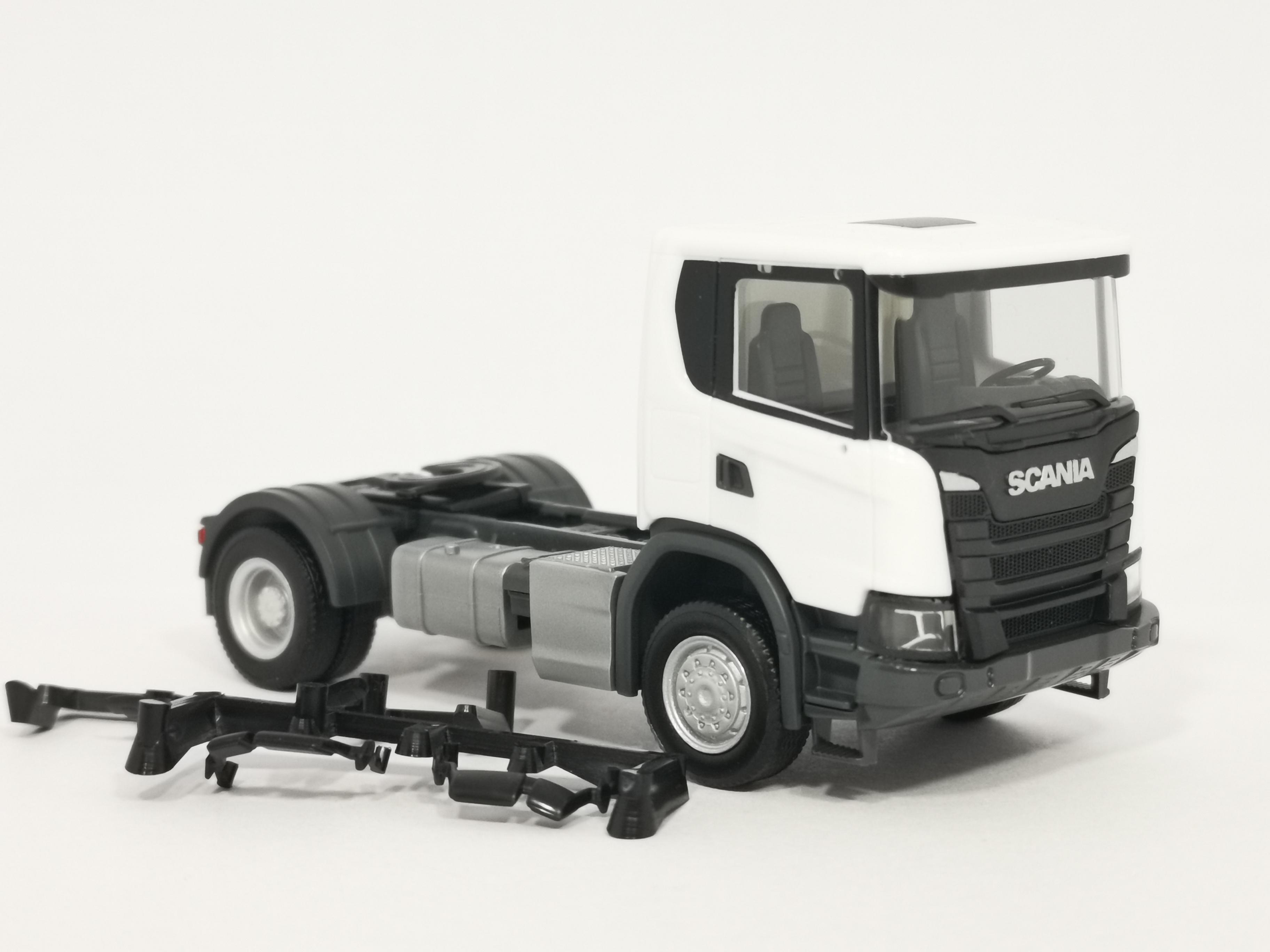 herpa 309769 Scania CG 17 4x4 Zugmaschine OVP weiß 1:87 NEU
