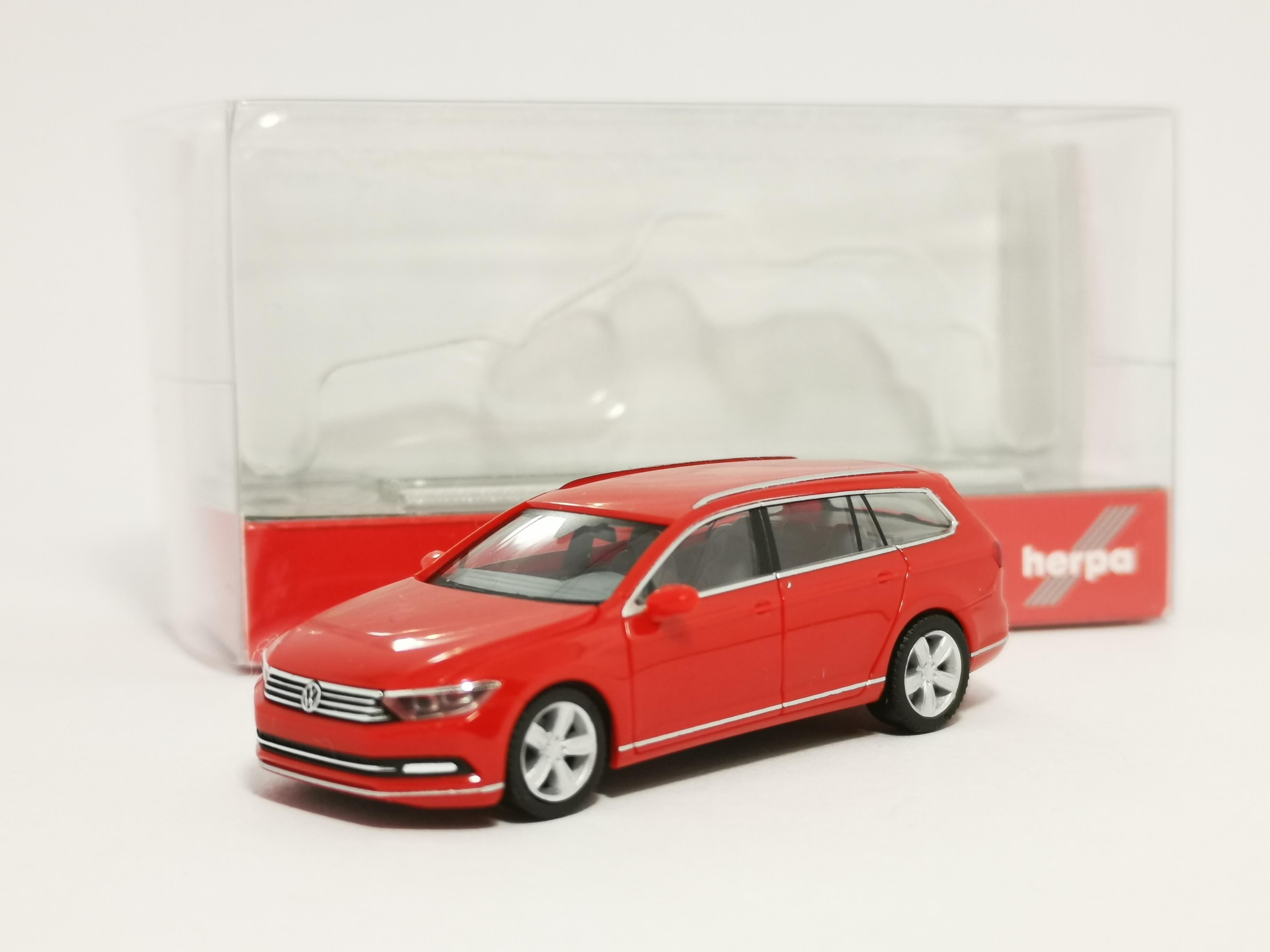 1//87 Herpa VW Passat Variant rot 028424-003