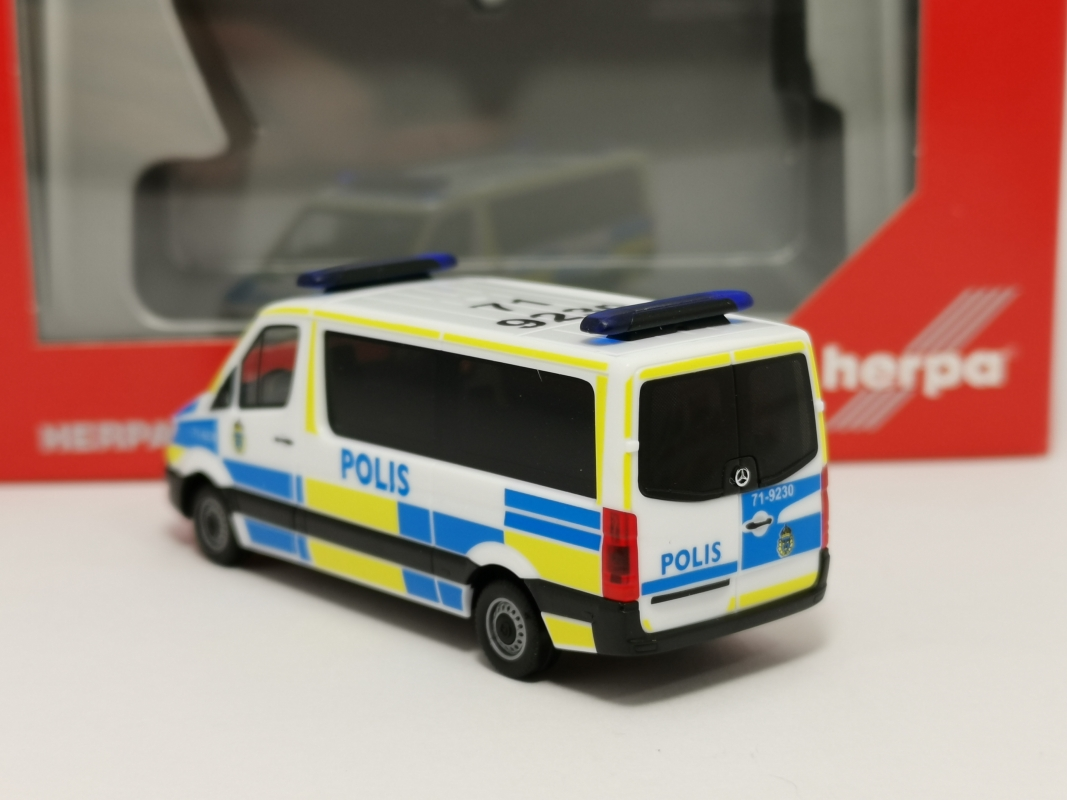 "094719  Mercedes-Benz Sprinter `13 Bus FD ""Polis"" Herpa"
