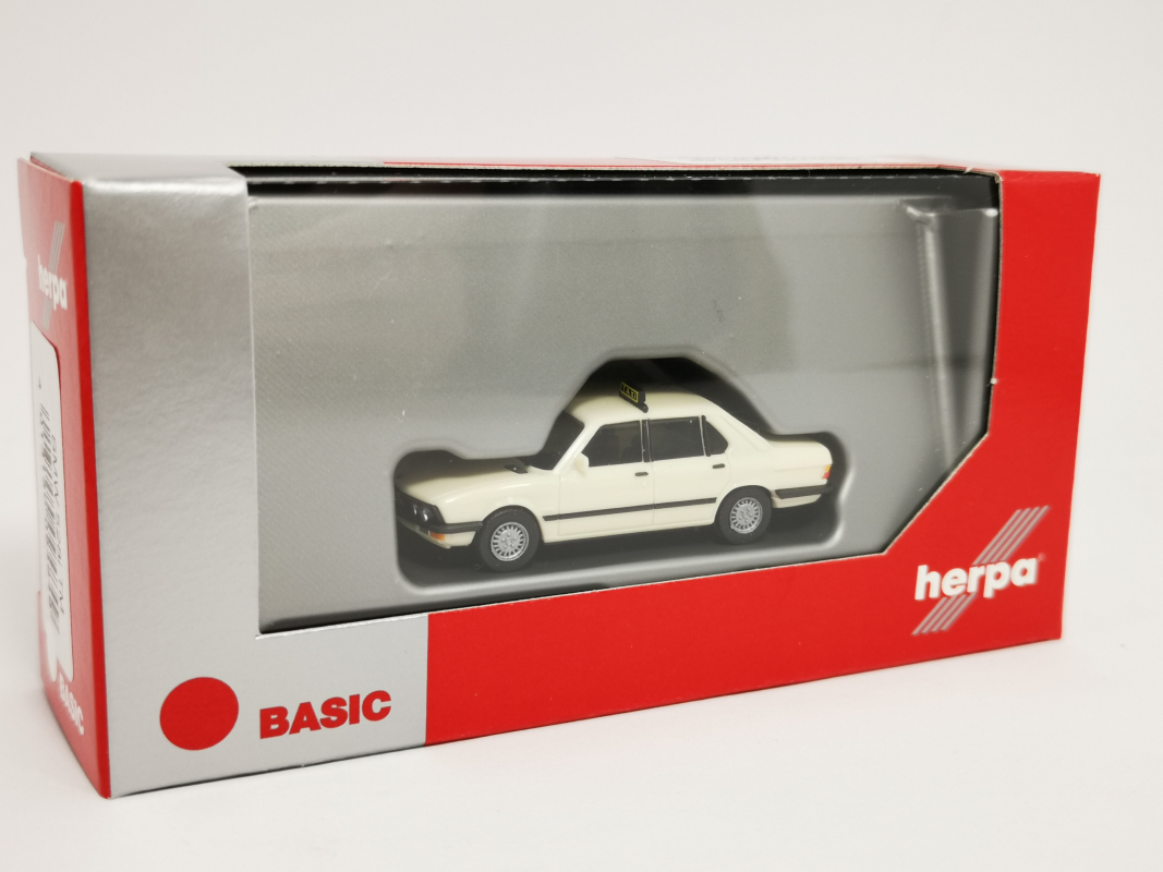 "094849  BMW 528i ""Taxi"" Herpa"