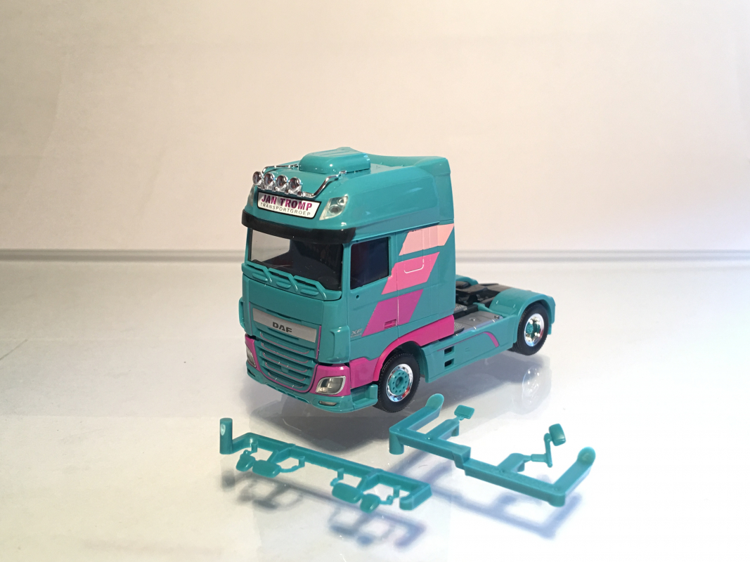 "DAF XF SSC Euro 6 ""Jan Tromp"" Herpa"